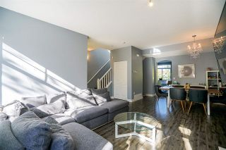"""Photo 3: 6 5950 OAKDALE Road in Burnaby: Oaklands Townhouse for sale in """"Heathercrest"""" (Burnaby South)  : MLS®# R2215399"""