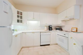 """Photo 7: 301 5262 OAKMOUNT Crescent in Burnaby: Oaklands Condo for sale in """"Sr. Andrews in the Oaklands"""" (Burnaby South)  : MLS®# R2271001"""