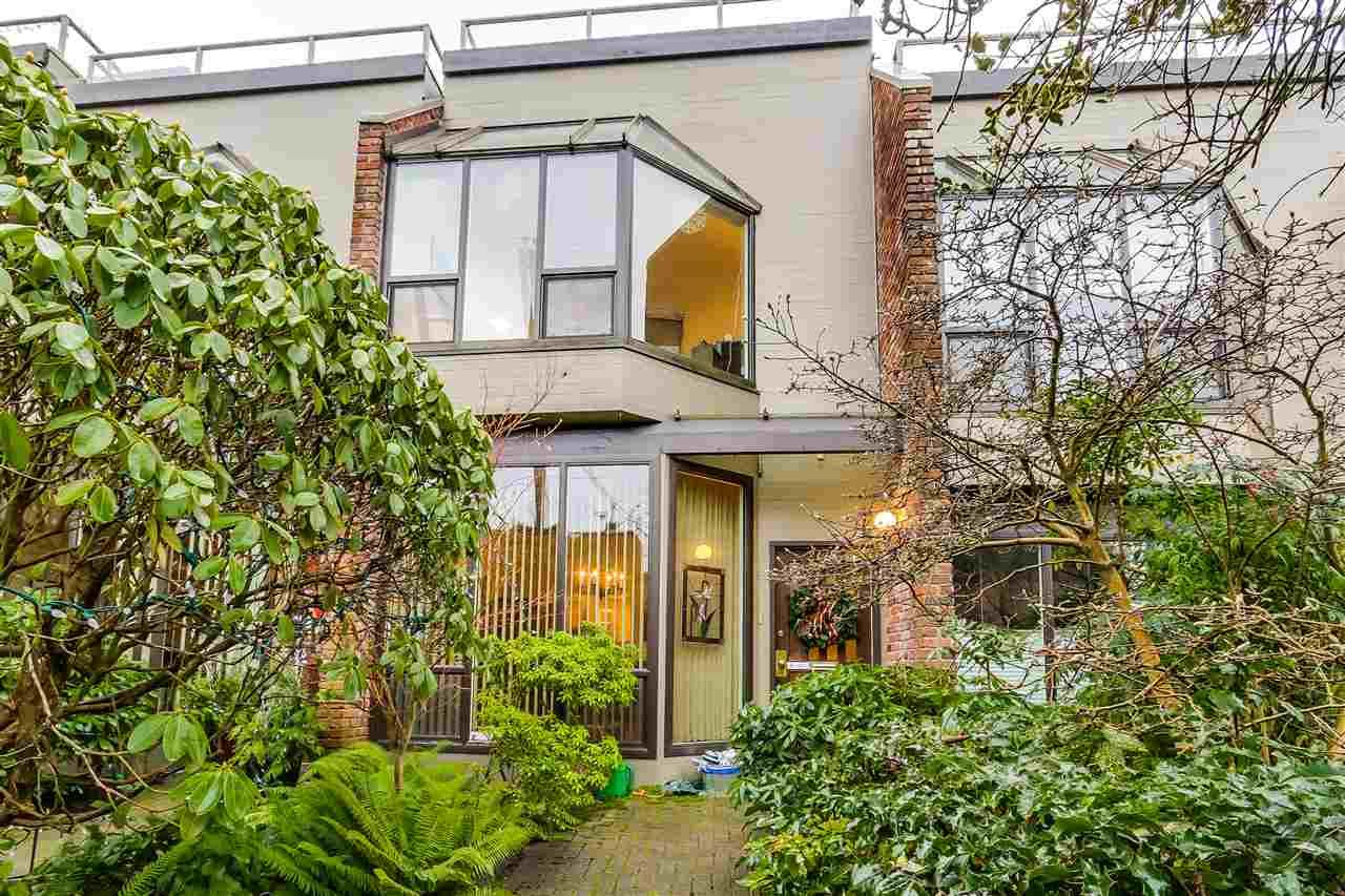 """Main Photo: 2778 W 1ST Avenue in Vancouver: Kitsilano Townhouse for sale in """"Cherry West"""" (Vancouver West)  : MLS®# R2020380"""