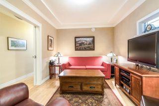 Photo 2: 430 GARRETT Street in New Westminster: Sapperton House for sale : MLS®# R2411143
