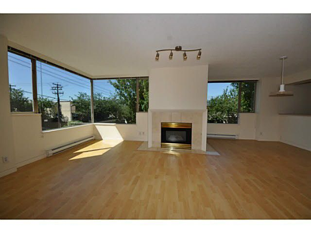 Main Photo: 201 2438 HEATHER STREET in : Fairview VW Condo for sale : MLS®# V1018396