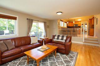 Photo 9: 1545 Granada Cres in : SE Mt Doug House for sale (Saanich East)  : MLS®# 853779