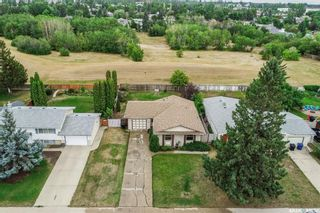 Photo 3: 110 Assiniboine Drive in Saskatoon: River Heights SA Residential for sale : MLS®# SK866495