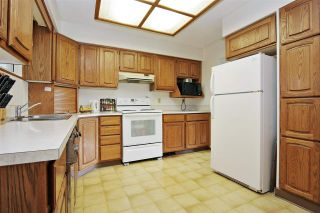 Photo 3: 10745 MCDONALD Road in Chilliwack: Fairfield Island House for sale : MLS®# R2586877