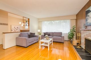 Photo 4: 2418 WARRENTON Avenue in Coquitlam: Central Coquitlam House for sale : MLS®# R2537280