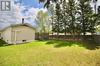 Photo 4: 102 Thompson Place in Hinton: House for sale : MLS®# A1047125
