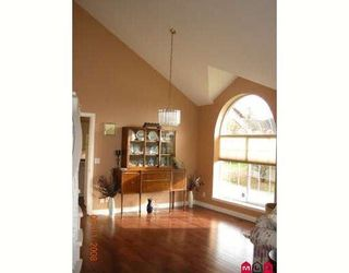 "Photo 3: 8054 153A Street in Surrey: Fleetwood Tynehead House for sale in ""FAIRWAY PARK"" : MLS®# F1002400"