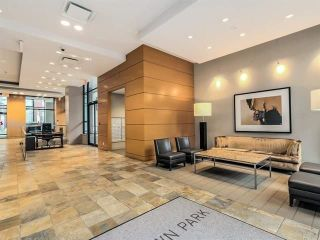 """Photo 19: 310 977 MAINLAND Street in Vancouver: Yaletown Condo for sale in """"YALETOWN PARK III by Wall Financial"""" (Vancouver West)  : MLS®# R2241322"""
