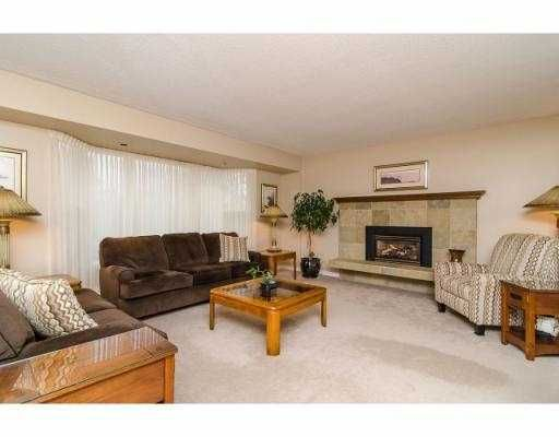 Photo 2: Photos: 5045 WOODSWORTH ST in : Greentree Village House for sale : MLS®# V993664