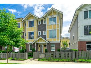 Photo 3: 17 9718 161A Street in Surrey: Fleetwood Tynehead Townhouse for sale : MLS®# R2592494