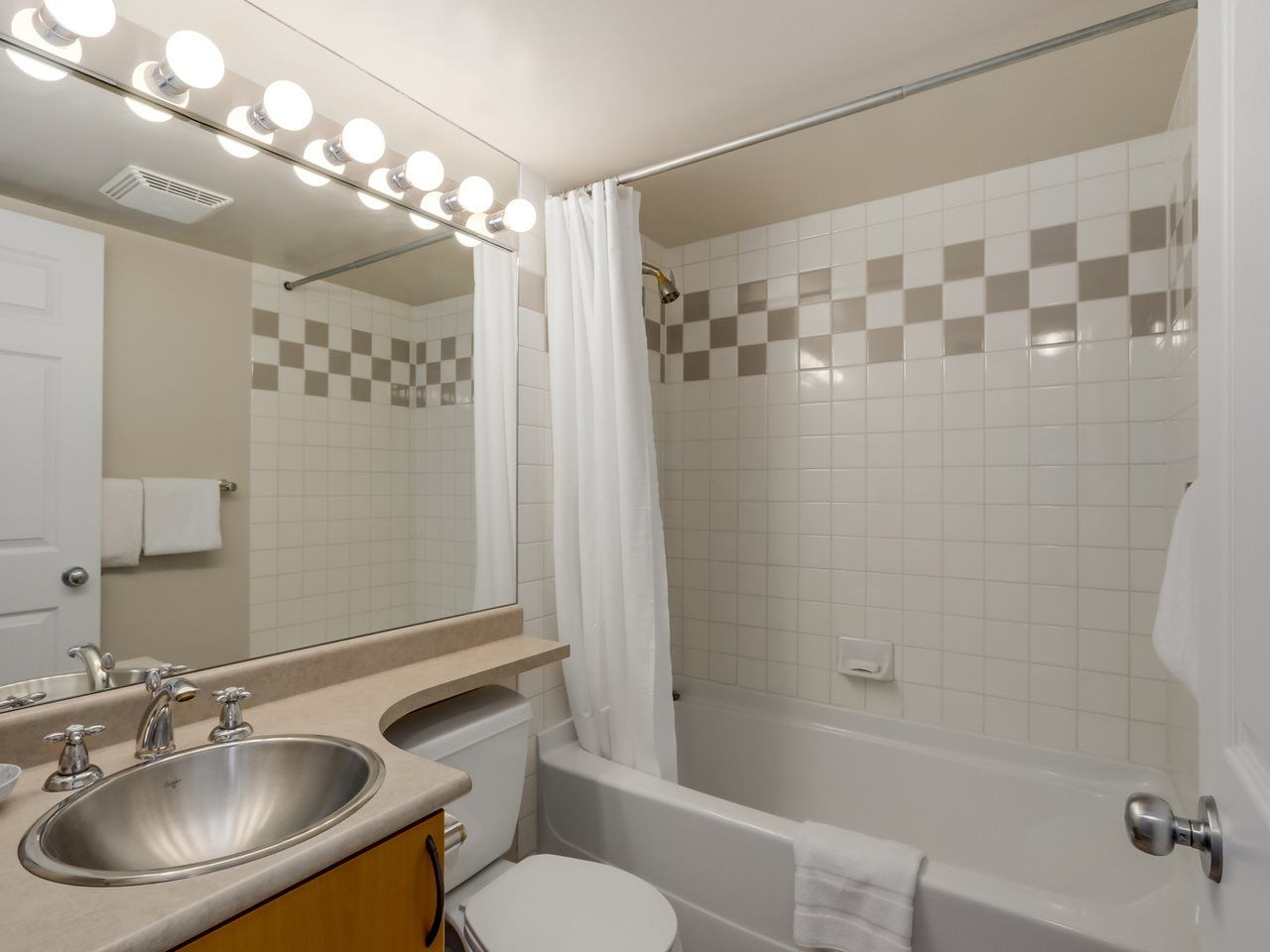 """Photo 10: Photos: 808 63 KEEFER Place in Vancouver: Downtown VW Condo for sale in """"Europa"""" (Vancouver West)  : MLS®# R2061272"""