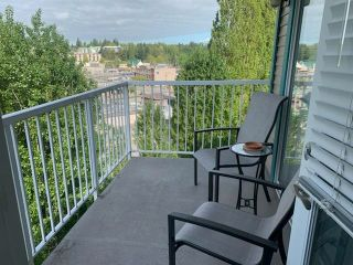 "Photo 8: 410 33960 OLD YALE Road in Abbotsford: Central Abbotsford Condo for sale in ""Old Yale Heights"" : MLS®# R2574975"