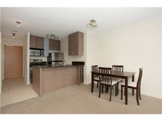 """Photo 1: 1608 909 MAINLAND Street in Vancouver: Yaletown Condo for sale in """"YALETOWN PARK"""" (Vancouver West)  : MLS®# V997068"""