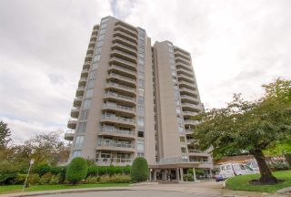"""Photo 1: 504 71 JAMIESON Court in New Westminster: Fraserview NW Condo for sale in """"PALACE QUAY"""" : MLS®# R2503066"""