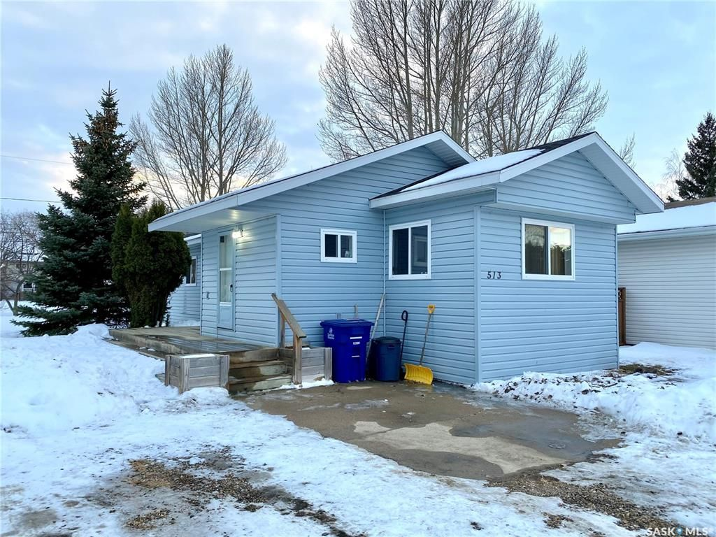 Main Photo: 513 Park Avenue in Outlook: Residential for sale : MLS®# SK845739