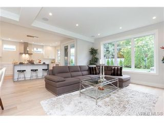 Photo 3: 770 Linkleas Ave in VICTORIA: OB South Oak Bay House for sale (Oak Bay)  : MLS®# 714276