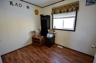 Photo 11: 13326 HIGHLEVEL Crescent: Charlie Lake Manufactured Home for sale (Fort St. John (Zone 60))  : MLS®# R2126238