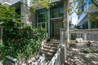 """Main Photo: 1455 W HASTINGS Street in Vancouver: Coal Harbour Townhouse for sale in """"WATERFRONT PLACE"""" (Vancouver West)  : MLS®# R2588355"""