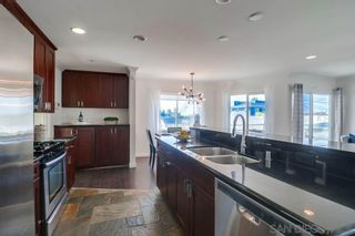 Photo 5: PACIFIC BEACH House for sale : 3 bedrooms : 1653 Chalcedony St in San Diego