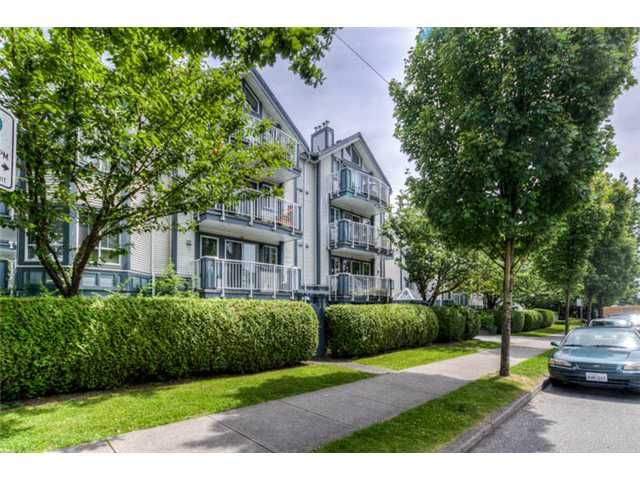 Main Photo: 104 2736 Victoria Drive in Vancouver: Grandview VE Condo for sale (Vancouver East)  : MLS®# V1013118