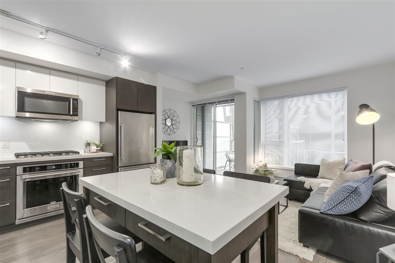 """Photo 8: Photos: 521 384 E 1ST Avenue in Vancouver: Mount Pleasant VE Condo for sale in """"CANVAS"""" (Vancouver East)  : MLS®# R2230543"""