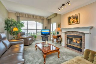 "Photo 2: 305 1725 128 Street in Surrey: Crescent Bch Ocean Pk. Condo for sale in ""Ocean Park Gardens"" (South Surrey White Rock)  : MLS®# R2531078"