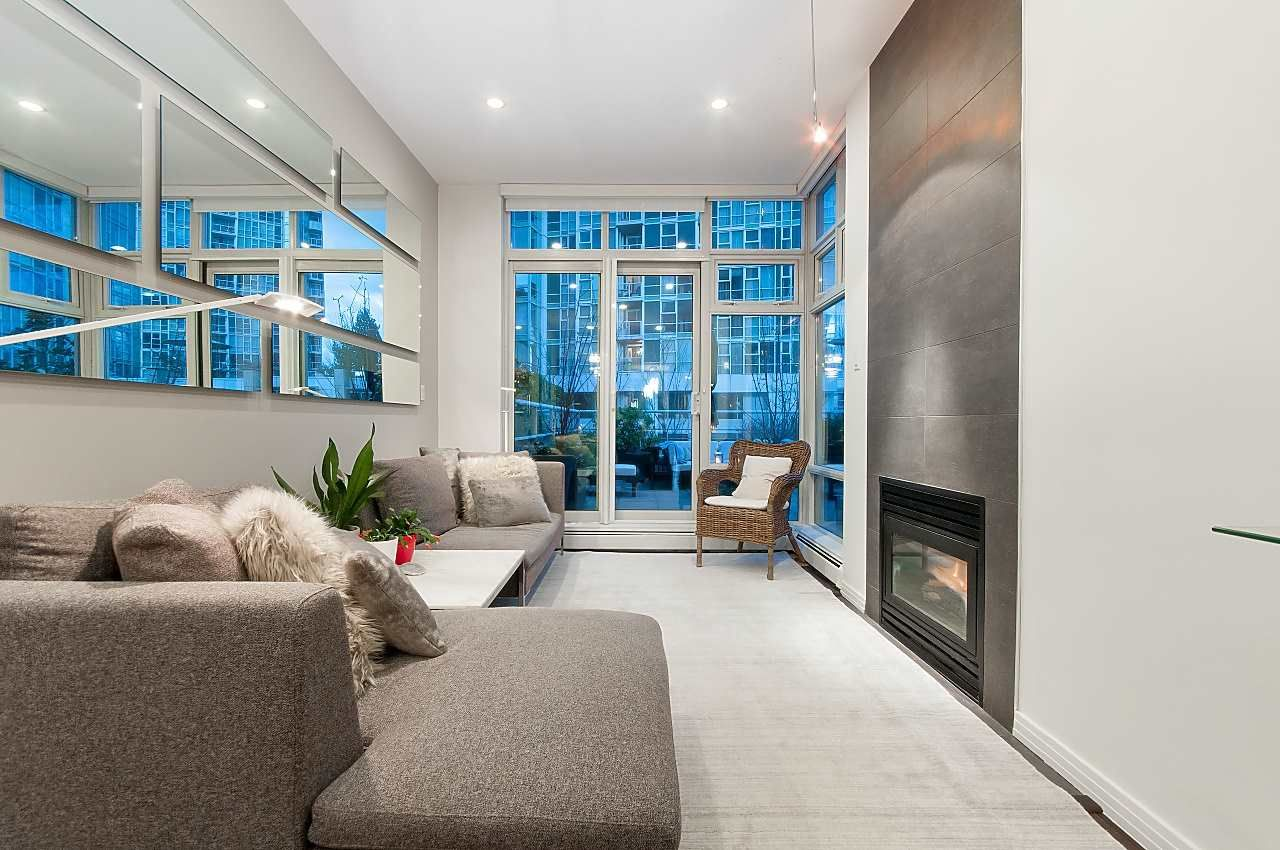 Photo 4: Photos: 302 198 AQUARIUS MEWS in Vancouver: Yaletown Condo for sale (Vancouver West)  : MLS®# R2231023
