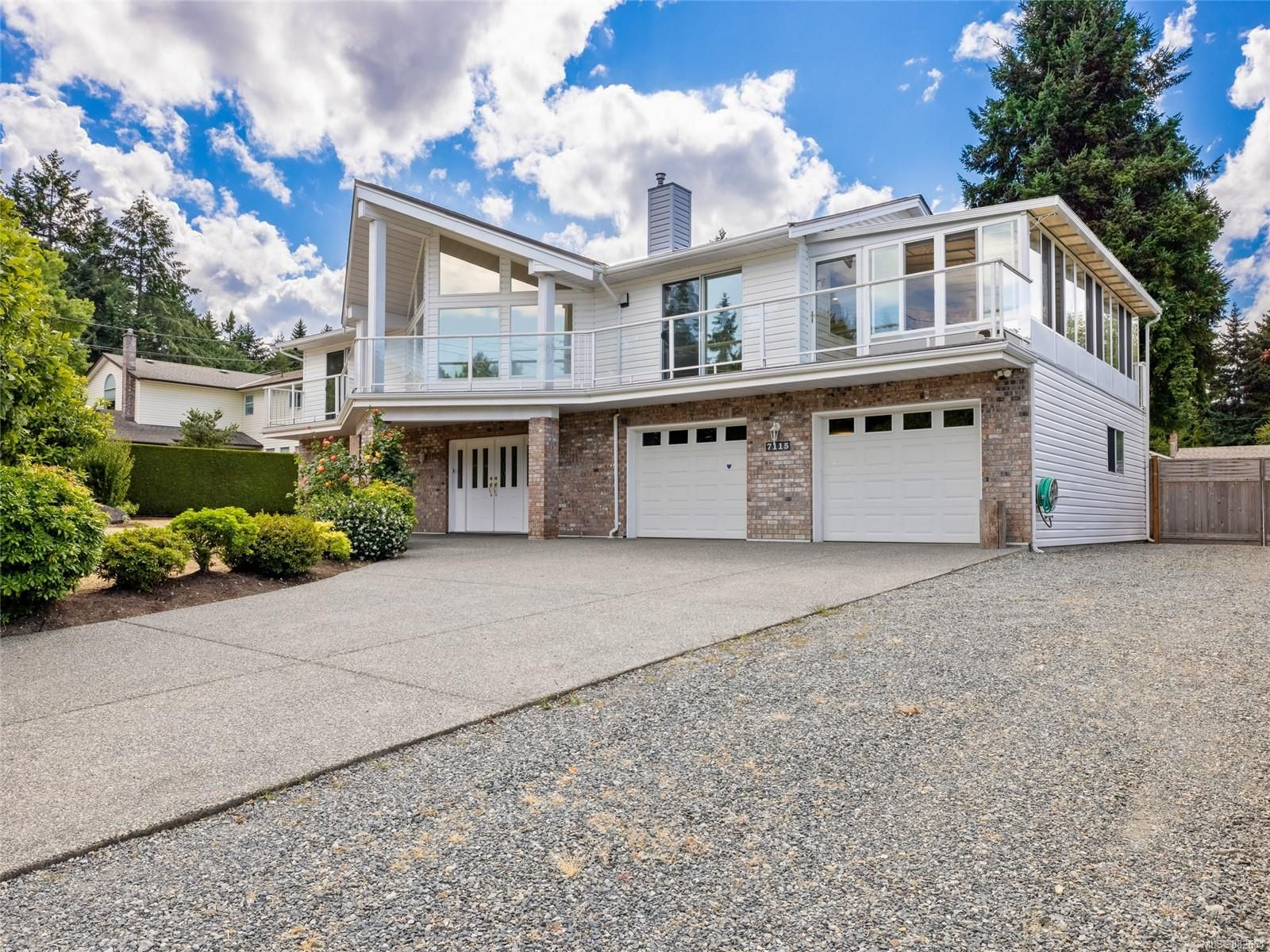 Main Photo: 7115 SEBASTION Rd in : Na Lower Lantzville House for sale (Nanaimo)  : MLS®# 882664