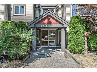 """Photo 2: 202 2709 VICTORIA Drive in Vancouver: Grandview VE Condo for sale in """"VICTORIA COURT"""" (Vancouver East)  : MLS®# V1132733"""
