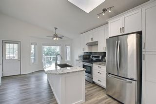 Photo 6: 140 Valley Meadow Close NW in Calgary: Valley Ridge Detached for sale : MLS®# A1146483