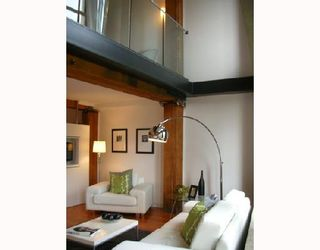 """Photo 3: 306 528 BEATTY Street in Vancouver: Downtown VW Condo for sale in """"THE BOWMAN BLOCK"""" (Vancouver West)  : MLS®# V676620"""