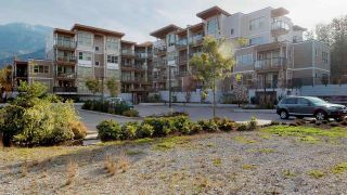 """Photo 1: 407 1150 BAILEY Street in Squamish: Downtown SQ Condo for sale in """"ParkHouse"""" : MLS®# R2432930"""
