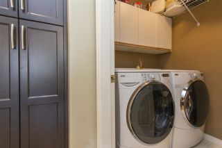 """Photo 17: 33 4001 OLD CLAYBURN Road in Abbotsford: Abbotsford East Townhouse for sale in """"Cedar Springs"""" : MLS®# R2166092"""