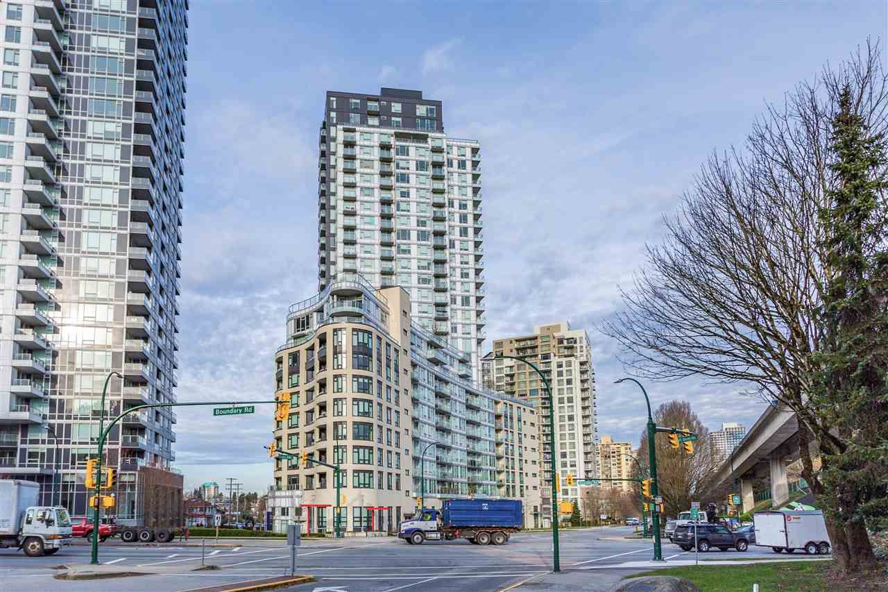"""Main Photo: 2605 5470 ORMIDALE Street in Vancouver: Collingwood VE Condo for sale in """"WALL CENTRE CENTRAL PARK TOWER 3"""" (Vancouver East)  : MLS®# R2554285"""