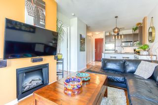 """Photo 3: 805 2355 MADISON Avenue in Burnaby: Brentwood Park Condo for sale in """"OMA"""" (Burnaby North)  : MLS®# R2494939"""