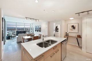 "Photo 17: 701 1675 W 8TH Avenue in Vancouver: Fairview VW Condo for sale in ""Camera"" (Vancouver West)  : MLS®# R2530414"
