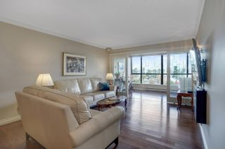 """Photo 6: 301 1470 PENNYFARTHING Drive in Vancouver: False Creek Condo for sale in """"Harbour Cove"""" (Vancouver West)  : MLS®# R2563951"""