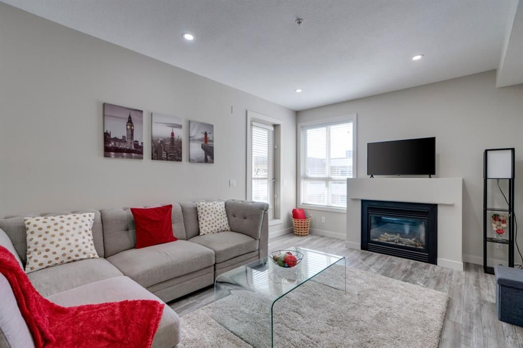 Main Photo: 407 1010 Centre Avenue NE in Calgary: Bridgeland/Riverside Apartment for sale : MLS®# A1102043