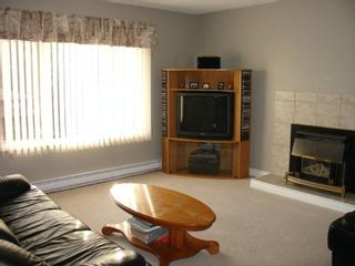 Photo 3: 35395 Selkirk Ave.: House for sale (Abbotsford East)