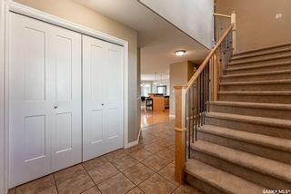 Photo 4: 122 Maguire Court in Saskatoon: Willowgrove Residential for sale : MLS®# SK866682