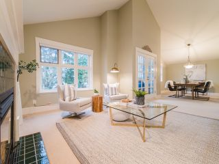 """Photo 4: 322 W 15TH Avenue in Vancouver: Mount Pleasant VW Townhouse for sale in """"Mayor's House"""" (Vancouver West)  : MLS®# R2324549"""