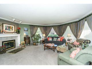 Photo 5: 9237 203B Street in Langley: Walnut Grove House for sale : MLS®# R2273639