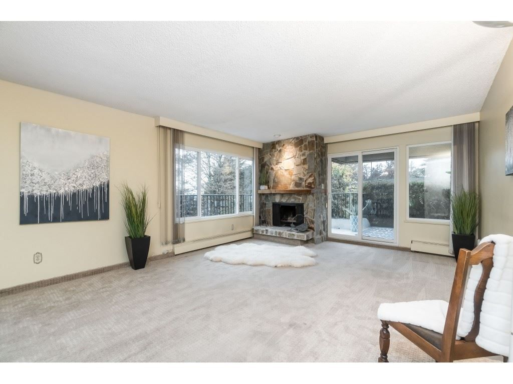 """Main Photo: 101 1351 MARTIN Street: White Rock Condo for sale in """"Dogwood Building"""" (South Surrey White Rock)  : MLS®# R2414214"""
