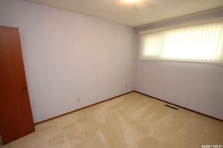 Photo 11: 825 East Centre in Saskatoon: Eastview SA Residential for sale : MLS®# SK870777