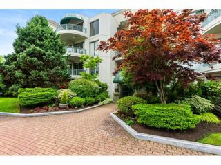 """Photo 2: 201 1725 MARTIN Drive in Surrey: Sunnyside Park Surrey Condo for sale in """"SOUTHWYND"""" (South Surrey White Rock)  : MLS®# R2588557"""