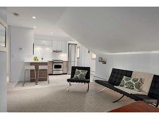 """Photo 10: A&B 120 W 17TH Street in North Vancouver: Central Lonsdale Condo for sale in """"THE OLD COLONOY"""" : MLS®# V1035638"""
