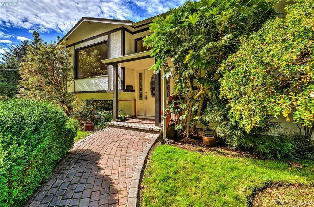 Main Photo: 3012 Wishart Rd in VICTORIA: Co Wishart North House for sale (Colwood)  : MLS®# 797488