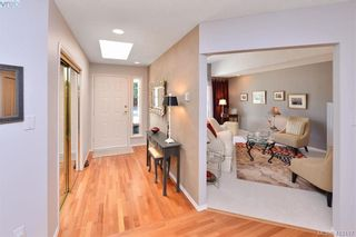 Photo 3: 3734 Epsom Dr in VICTORIA: SE Cedar Hill House for sale (Saanich East)  : MLS®# 817100