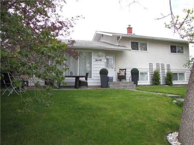 FEATURED LISTING: 20 FLAVELLE Road Southeast CALGARY