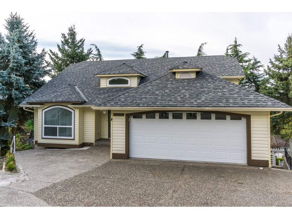 Main Photo: 31030 HERON Avenue in Abbotsford: Abbotsford West House for sale : MLS®# R2207673